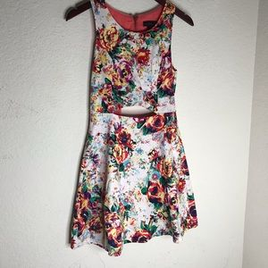 Material girl women floral dress size m